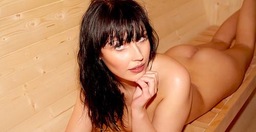 http://img153.imagetwist.com/th/09394/x12uyi58hcfm.jpg