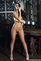 http://img153.imagetwist.com/th/09398/hueo4ee7fs5g.jpg