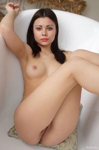 http://img153.imagetwist.com/th/09863/n9ncogpexol4.jpg