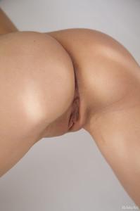 http://img153.imagetwist.com/th/09863/uixbll0p6bdg.jpg