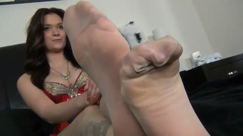 WONDER WOMAN PANTYHOSE FOOTJOB with MARIA MARLEY