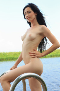 http://img153.imagetwist.com/th/10124/3h394mmi32wn.jpg