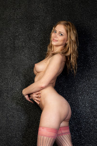 Inga Shay - Presenting [HQ Photoset] (2015/Met-Art.com/175.18 MB)