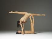 Julietta And Magdalena Rhythmic Gymnasticsh4loudcg31.jpg